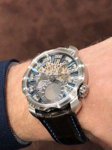Sarpaneva esitteli uutta upeaa inhouse-koneistoonsa pohjaavaa kelloa.